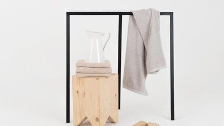 Minimalistscher Kleiderständer Kaya bath L
