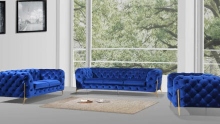 Sessel sofa Chesterfield Lasvegas samt blau mit gold fusse